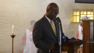 Minister Nathi Mthethwa pays his respects at Mme Miriam Tlali's funeral