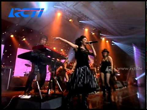 Krisdayanti 'Pilihlah Aku' - AMI 2004