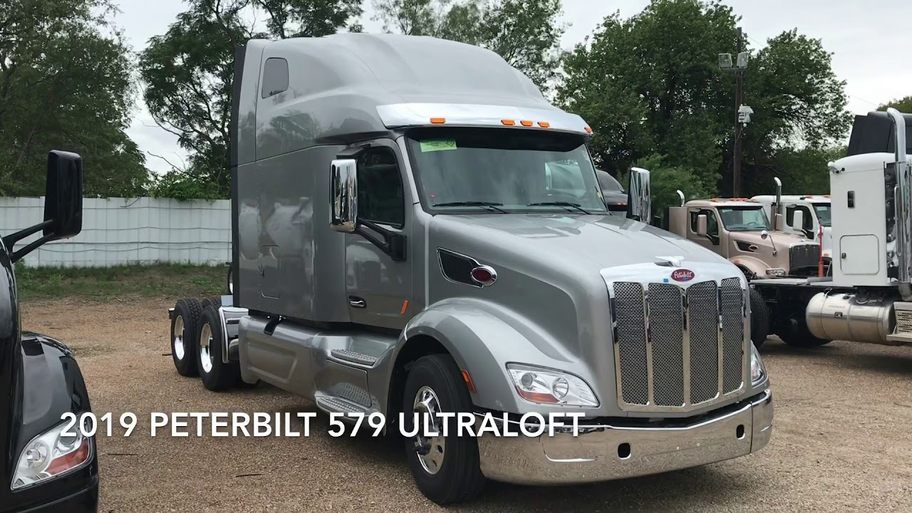 2019 Peterbilt 579 Ultraloft Silver Cummins X15 Eaton Fuller 18 Speed