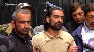 «Սասնա Ծռեր» զինվածի խմբի աջակիցները փակել են դատախազության շենքի բոլոր մուտքերը