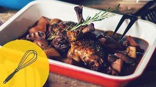 Klassisches Coq au Vin Rezept | Rosmarin Hähnchen in Rotwein | Französische Küche leicht gemacht