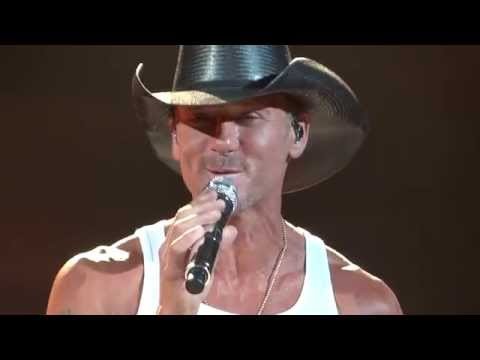 Tim McGraw Phoenix 5 16 14 Just to See You Smile