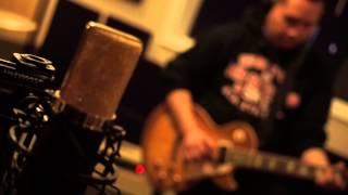 Maa Vue - Txoj Kev Npau Suav (rough demo)