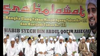 Video TUBAN BERSHOLAWAT BERSAMA HABIB SYECH 2015 download MP3, 3GP, MP4, WEBM, AVI, FLV Maret 2018