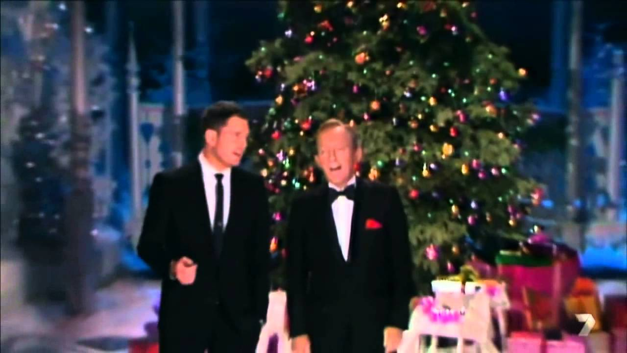 Michael Buble White Christmas.Michael Buble Sings White Christmas With Bing Crosby