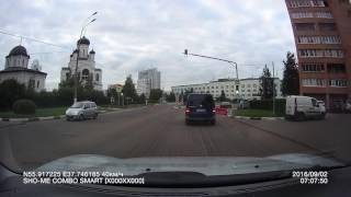 Езда в машине с комбо-устройством  Sho-Me Combo SMART