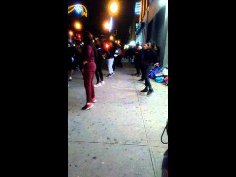 Harlem girls dancing on 125st @sneaker pawn