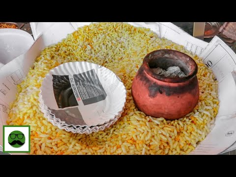 Mumbai Food Tour - Dosa, Pani Puri, Vada Pav and More || Indian Street Food Series