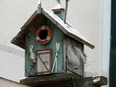 Vrubel bird homes casitas para p jaros youtube - Casita para pajaros ...