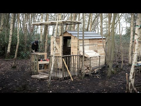 Off Grid Log Cabin: Recycled Pallet Wood Project - Roof Extension & Sink