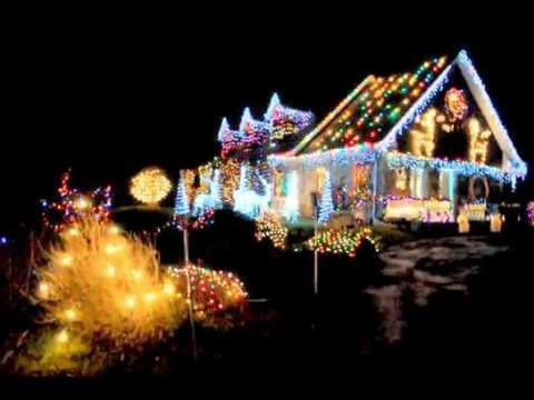 Maison d corer plus que le pere noel youtube for Lumiere maison exterieur