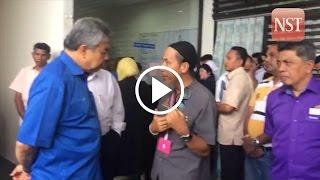 Sebuyau heli crash: PM & DPM arrive at Sarawak General Hospital