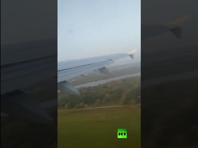 شاهد.. لحظة اصطدام طائرة ركاب روسية منكوبة بالطيور أثناء إقلاعها