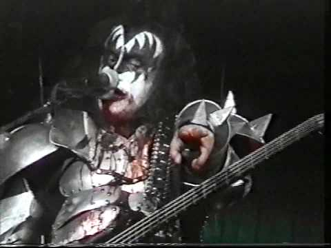 KISS - Gene Simmons Bass Solo  God Of Thunder - Gothenburg 1999 1st Night - Psycho Circus Tour