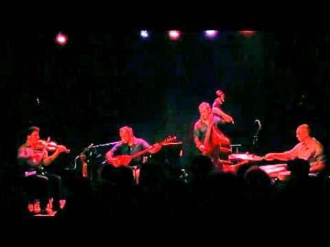 YOL HIKAYESI Anan Varmidur concert Cave Poésie 23-07-2011