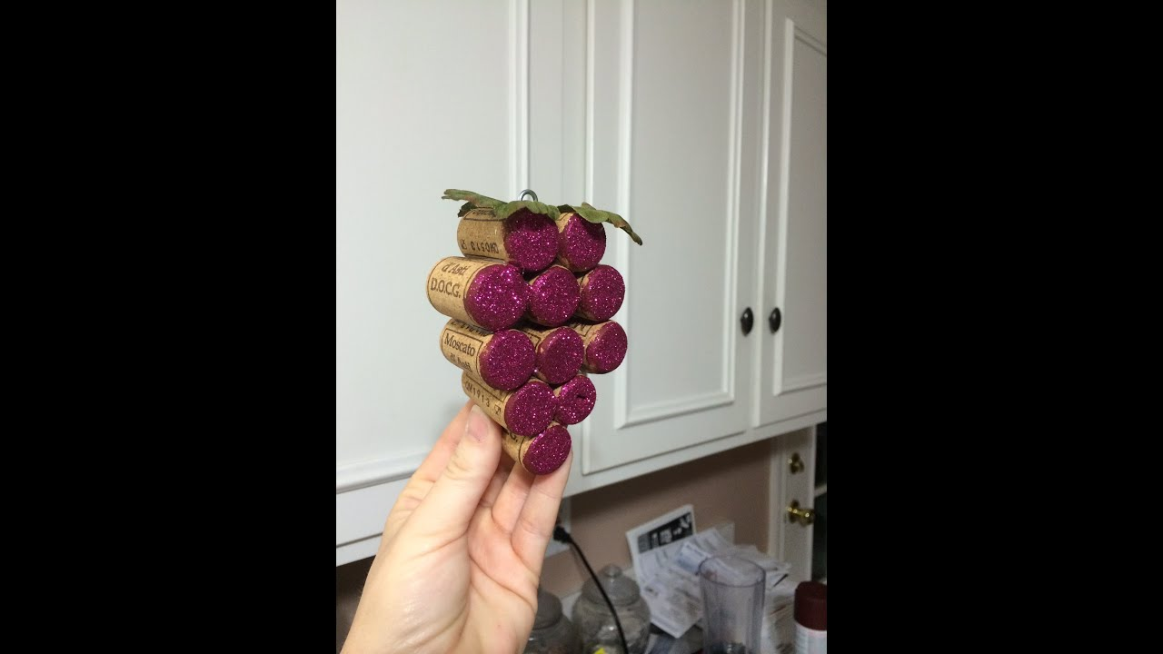 Ornaments made from wine corks - How To Make Wine Cork Grape Bundles