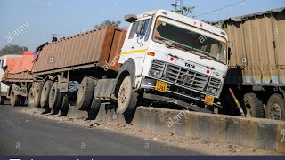 Massive #truck accident at NATIONAL HIGHWAYJ&K NH1