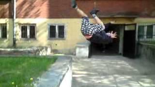 Artur robi salto
