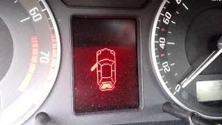 Skoda Octavia tour не горит лампа открытой двери.Ремонт замка двери и жгута.
