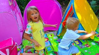 Эльвира и Братик УСТРОИЛИ ПЛОЩАДКУ на природе Детский влог Ryan & Elvira camping adventures
