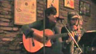 Ayelen y Neyen Morra - Girasoles de papel