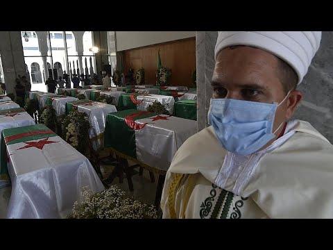 شاهد: الجزائر تواري الثري رفات مقاتلي مقاومتها ضد الاستعمار الفرنسي في الذكرى الـ 58 لاستقلالها…  - نشر قبل 43 دقيقة