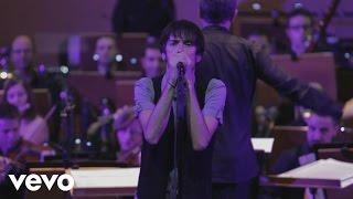 Смотреть клип Vetusta Morla, Orquesta Sinfónica De La Región De Murcia - Saharabbey Road