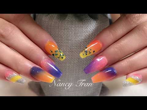 How to Do Different Designs for Dipping Nails With Polaris Dipping Nail System