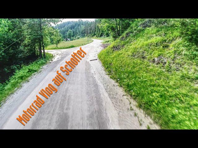 Moto Vlog auf Schotter