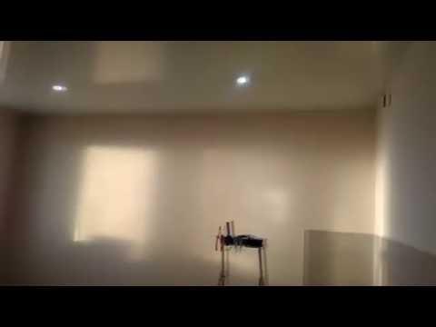 Какое освещение не нужно делать при монтаже натяжного потолка.