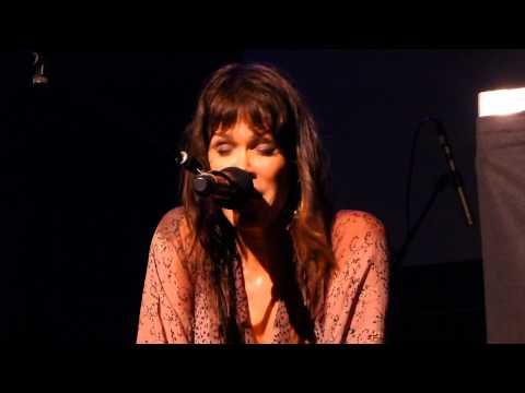 Beth Hart - Ain't No Way - 10/23/14 Newton Theatre - NJ