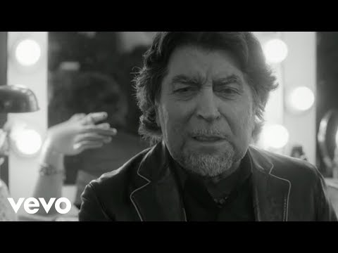 Joaquin Sabina - Lo Niego Todo (Official Video)