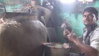 Как делают самые популярные сладости в Индии печеньки Джалеби крендельки