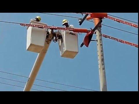 Thi công đấu nối trên đường dây 22kV đang mang điện