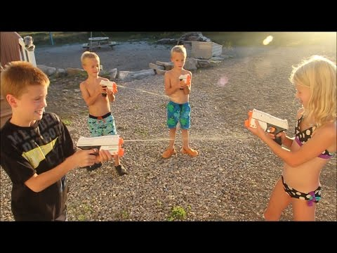 Kids NERF Super Soaker Fight!