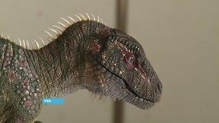 в Уфе живет необычный скульптор, создающий из пластилина миниатюрные копии динозавров