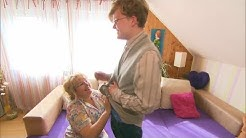 Anders muss zwanghaft mit seiner Mutter reiben_Hilf Mir_Youtube Kacke