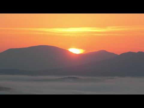 Рассвет в горах Алтая. TIMELAPS