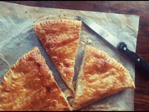 big-chausson-au-saumon-et-sa-délicieuse-farce-au-fromage.-recette-facile-et-rapide