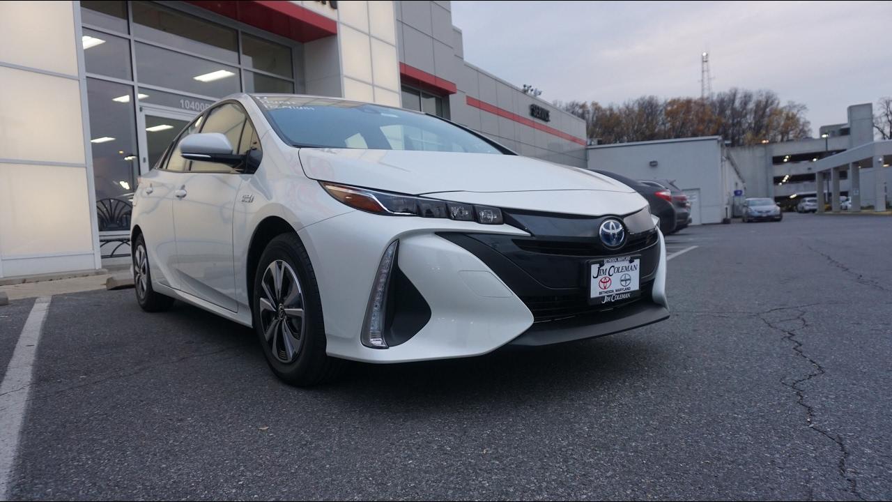2017 Toyota Prius Prime Premium Review