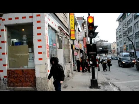 WALKING ST LAURENT STREET TO CHINATOWN IN MONTREAL