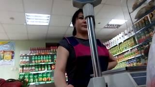 Сломанные весы в абаканском магазине