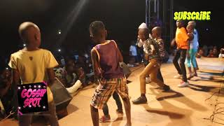 Watch fresh kid teach other kids how to do music on stage
