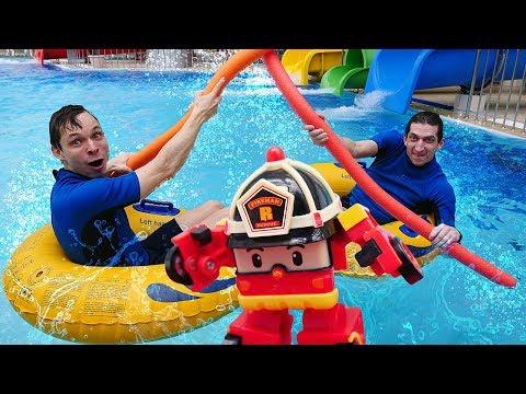 Игры для детей в аквапарке - Челлендж останься сухим! - Видео с игрушками в школе Акватим.