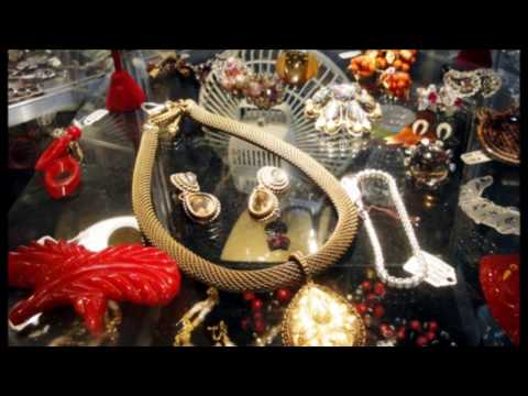 Holiday Antiques, Vintage, and Decorative Arts Show