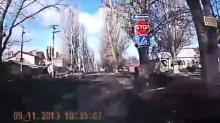 Смотреть Подборка Дтп   Драк   Приколов На Дорогах 2013   Бесплатно Видео Аварии save4 net