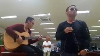 Judika adu suara nyanyi Mama Papa Larang (akustik)