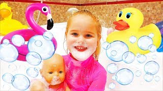 Bath Song Nursery Rhymes Song for Kids from Sweet Emily