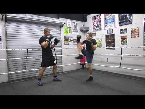 Savate's Chasse Lateral