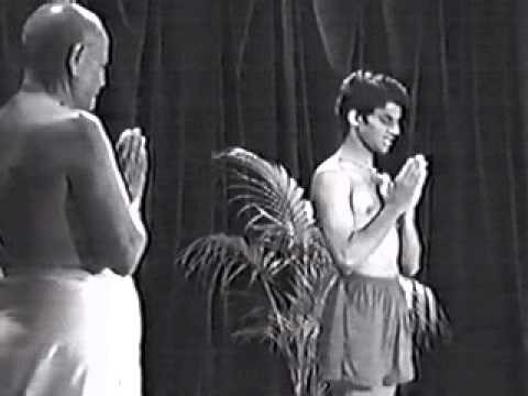 Pattabhi Jois and Sharath - Opening Chant